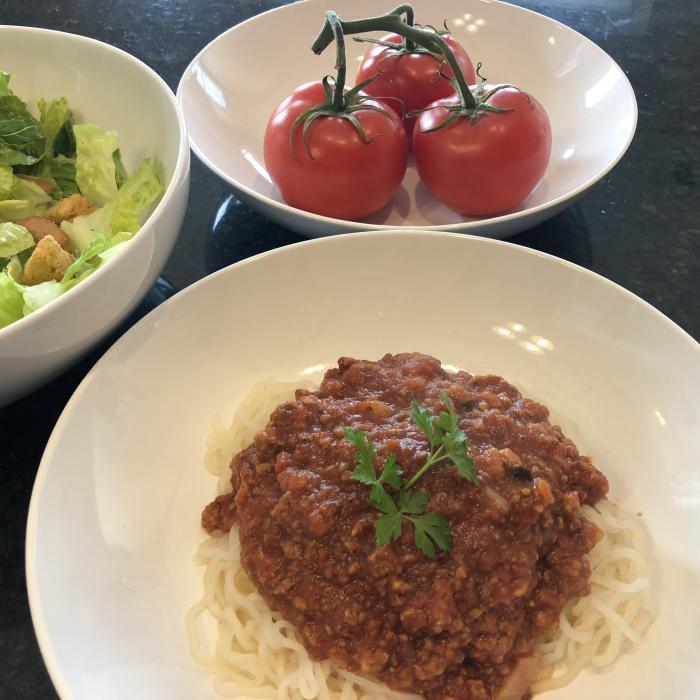 meatless pasta sauce healthy hands cooking